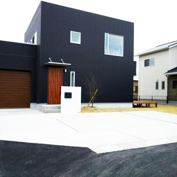 柳川市素敵なお家が映えるシンプルモダンな外構