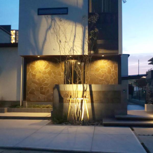 久留米市建物の光と外構の光が融合したデザイン